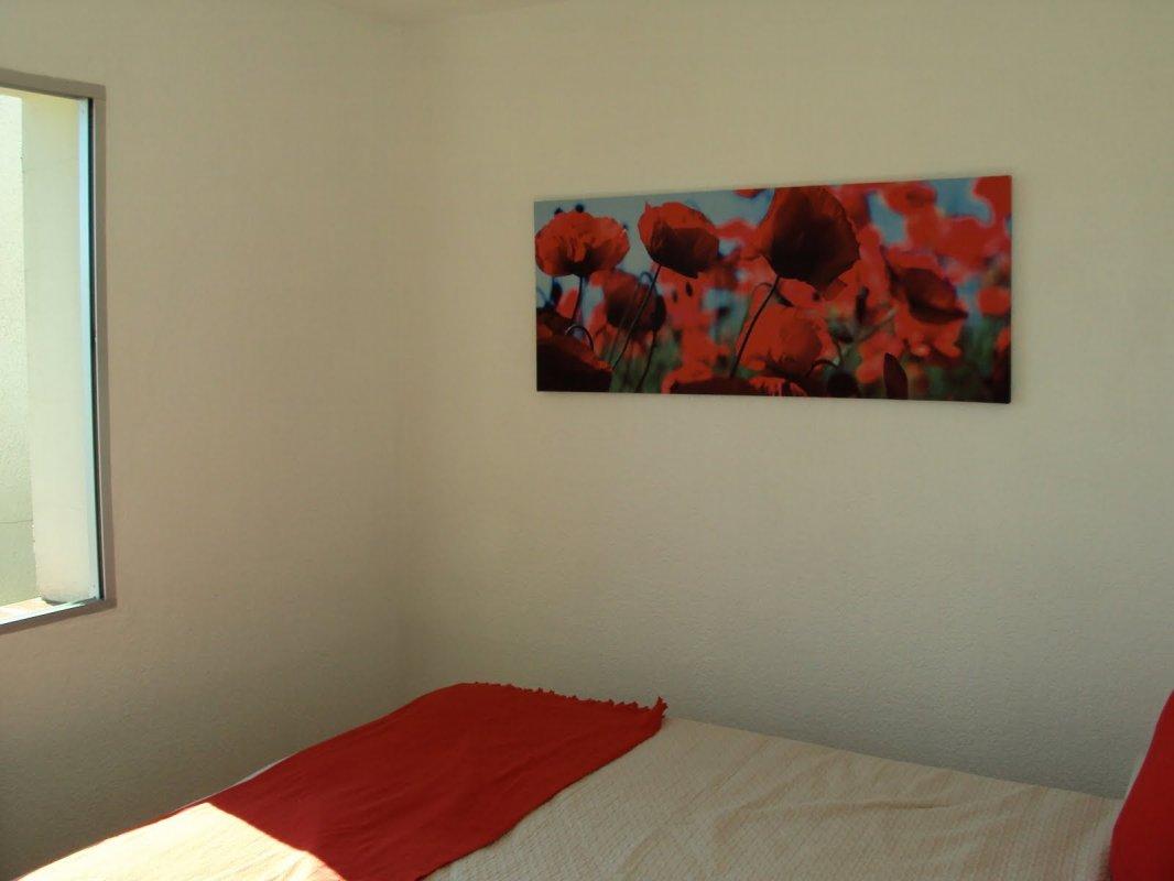 Feriehus i Sydfrankrig - røde værelse1